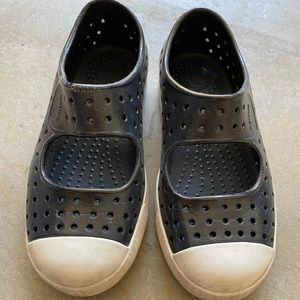 Nordstrom's Natives in chic black and white C12